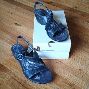 Hush puppies alight new in box sandals